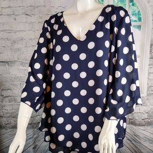 NWT Avenue Woman Top Blouse Tunic polka Dots 32/33